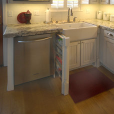 Traditional Kitchen by Correy Design