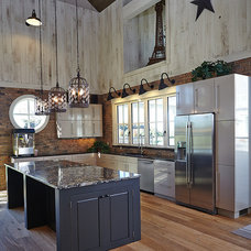 Farmhouse Kitchen by Scott Christopher Homes/Surpass Renovations