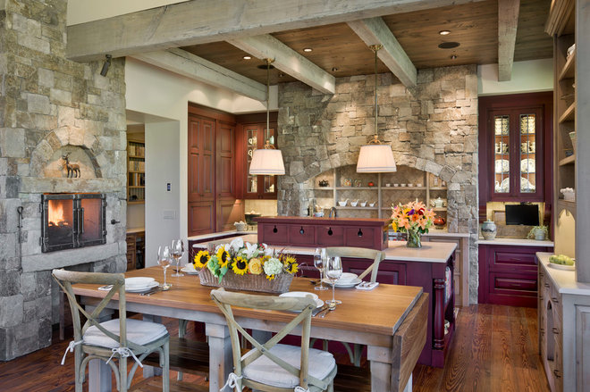 Farmhouse Kitchen by Locati Architects