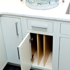 Contemporary Kitchen by J Thom Kitchen Cabinetry