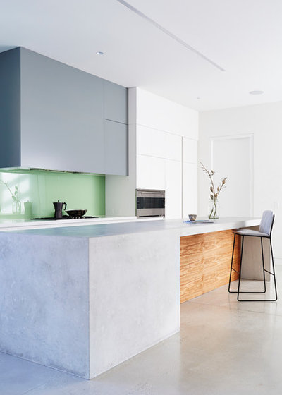 Modern Kitchen by Project 12 Architecture