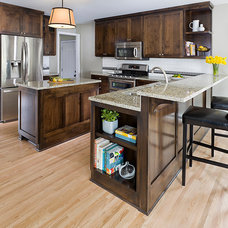 Traditional Kitchen by Allison Landers