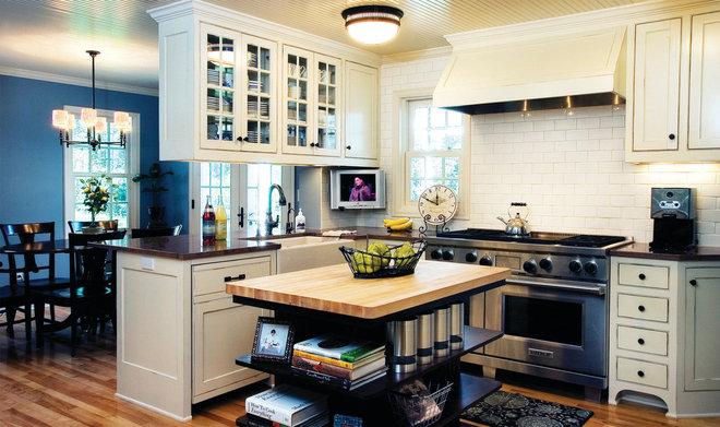 Farmhouse Kitchen by Anna Berglin Design