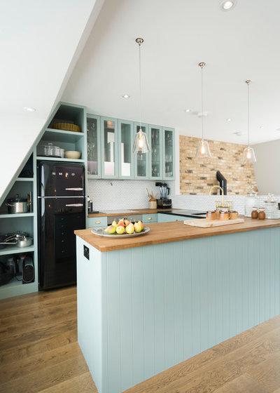 Country Kitchen by Domus Nova