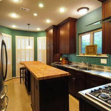Modern Kitchen by Legal Eagle Contractors