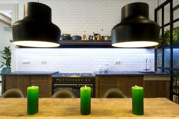 Modern Kitchen by Egue y seta