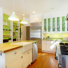 Traditional Kitchen by Lifeseven Photography