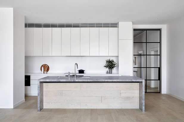 Contemporary Kitchen by Clancy Constructions