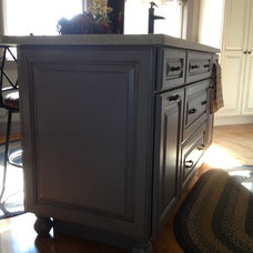 Farmhouse Kitchen by Lowe's of Rochester, NH