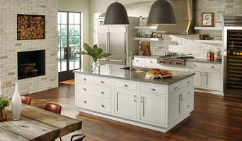 StarMark Cabinetry Traditional Inset Kitchen in Quarter Sawn Oak