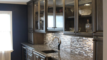 Starmark Maple Ridgeville Kitchen in Slate w/ Ebony Glaze