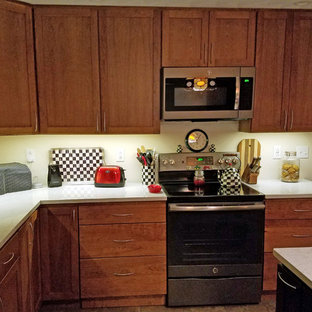 Mid-sized transitional eat-in kitchen photos - Mid-sized transitional l-shaped ceramic floor and green floor eat-in kitchen photo in Other with an undermount sink, shaker cabinets, medium tone wood cabinets, quartz countertops, stainless steel appliances, an island and white countertops