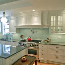 Traditional Kitchen by Factory Builder Stores