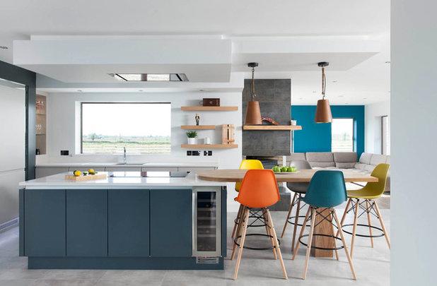 Contemporary Kitchen by Doran Kitchens