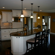 Traditional Kitchen by Cabinets 4U, Inc.