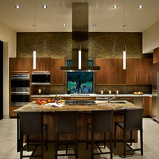 Modern Kitchen by Identity Construction