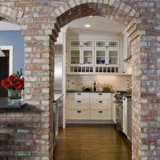 Traditional Kitchen by Great Rooms Designers & Builders