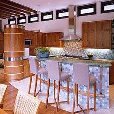 Modern Kitchen by Sternberg Benjamin Architects, Inc.