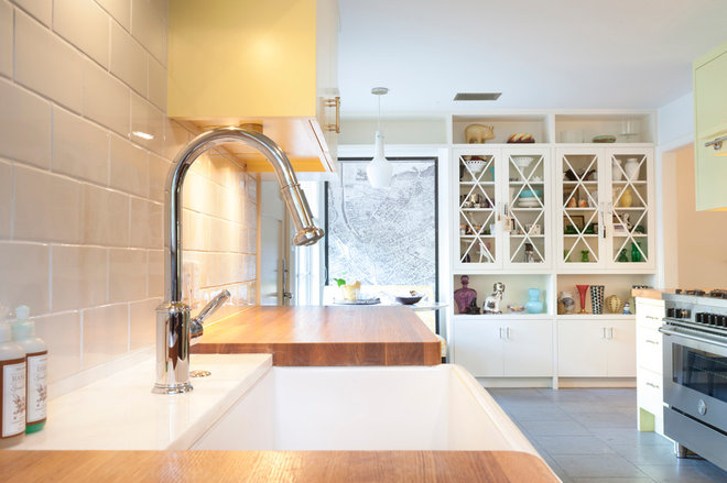 Contemporary Kitchen by T.A.S Construction
