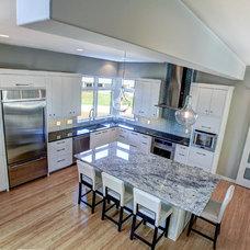 Contemporary Kitchen by Maxam Architecture: David Maxam, AIA