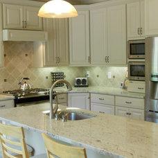 Traditional Kitchen by McKenna Fine Homes