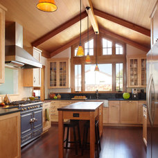 Craftsman Kitchen by Gary Earl Parsons, Architect