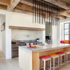Mediterranean Kitchen by Ken Linsteadt Architects