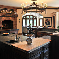 Traditional Kitchen by Lake Geneva Architects