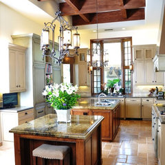 traditional kitchen by D. Forster