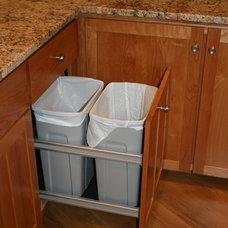 Craftsman Kitchen by Breznick Cabinetmakers