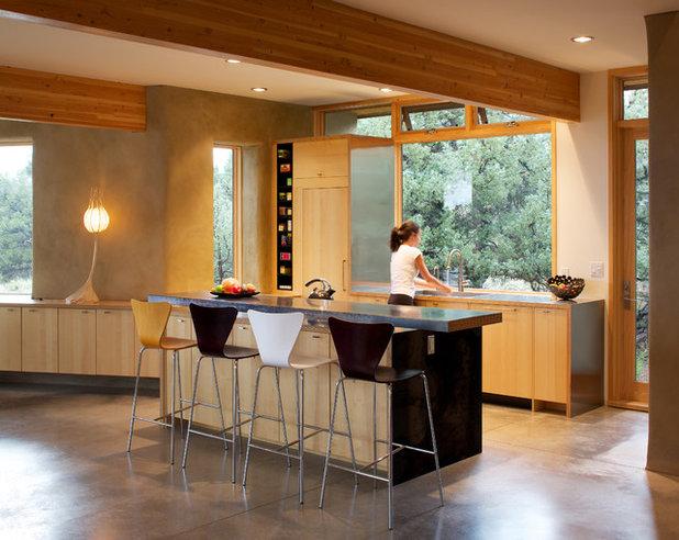Contemporary Kitchen by Gettliffe Architecture