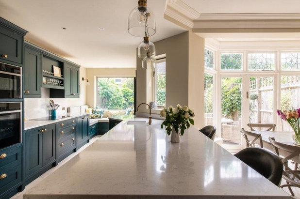 Contemporary Kitchen by Herringbone Kitchens