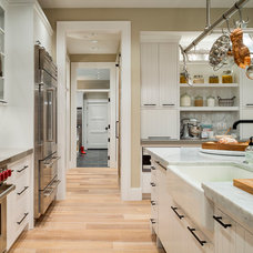 Transitional Kitchen by Alan Mascord Design Associates Inc