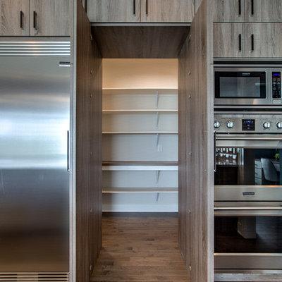 Trendy kitchen photo in Omaha