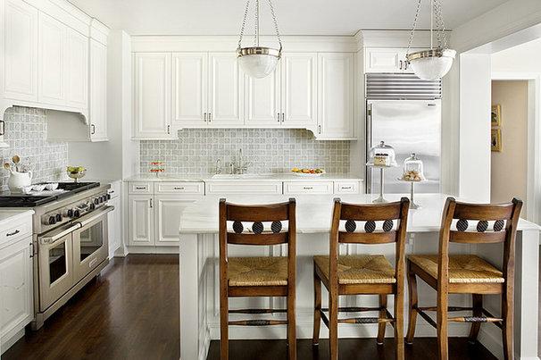Traditional Kitchen by Alan Design Studio