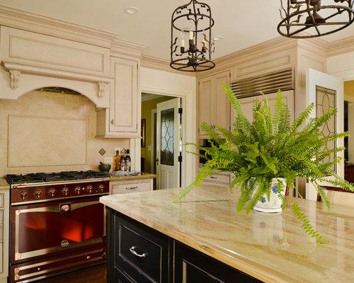 Craftsman Kitchen with Beige Cabinets Design Ideas & Remodel Pictures   Houzz