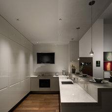 Modern Kitchen by Studio B Architecture + Interiors