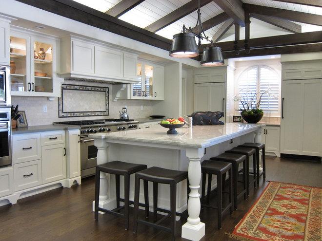 Traditional Kitchen by Amanda Borinstein Interior Design