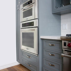 Traditional Kitchen by KCS Design