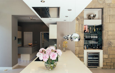 Kitchen of the Week: A Sleek, Sophisticated Space for Family Living