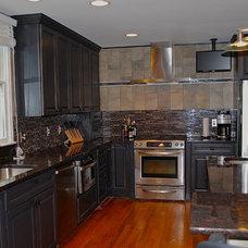 Traditional Kitchen by ApplianceLand Kitchen and Bath