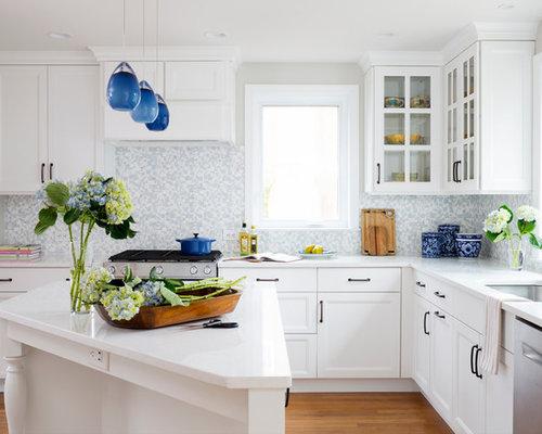 Mid Sized Traditional Enclosed Kitchen Designs   Mid Sized Elegant L Shaped  Medium