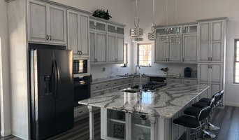 Awesome Best 15 Cabinetry And Cabinet Makers In Decatur Il Houzz Download Free Architecture Designs Lectubocepmadebymaigaardcom