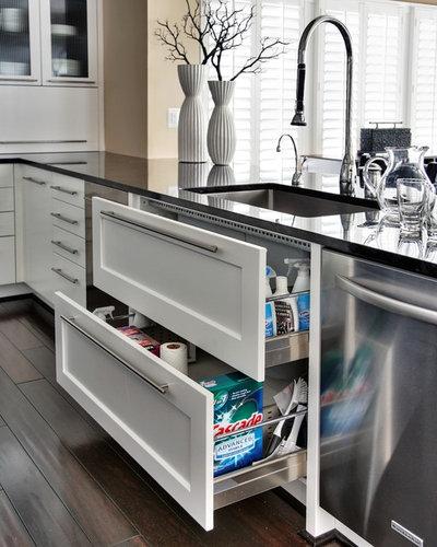 Современный Кухня by Capitol Design, LLC