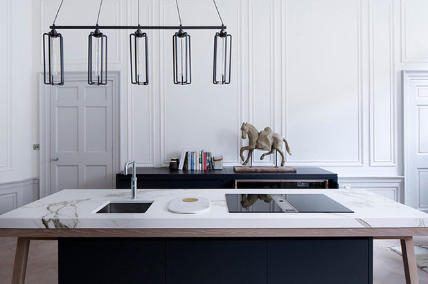 Contemporary Kitchen by Murray & Murray Ltd