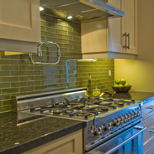 Example of an eclectic kitchen design in Toronto