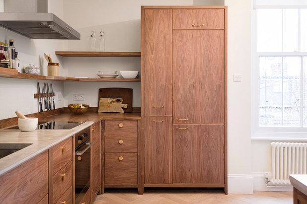 Modern Kitchen by Murray & Ball Furniture Ltd