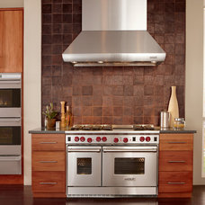 Modern Kitchen by Universal Appliance and Kitchen Center