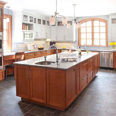 Traditional Kitchen by Sub-Zero and Wolf Showroom, Manhattan