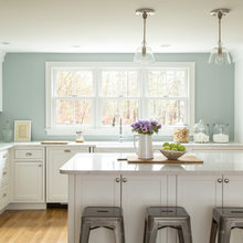 Refresh Your Kitchen Color: 8 Ideas for This Weekend